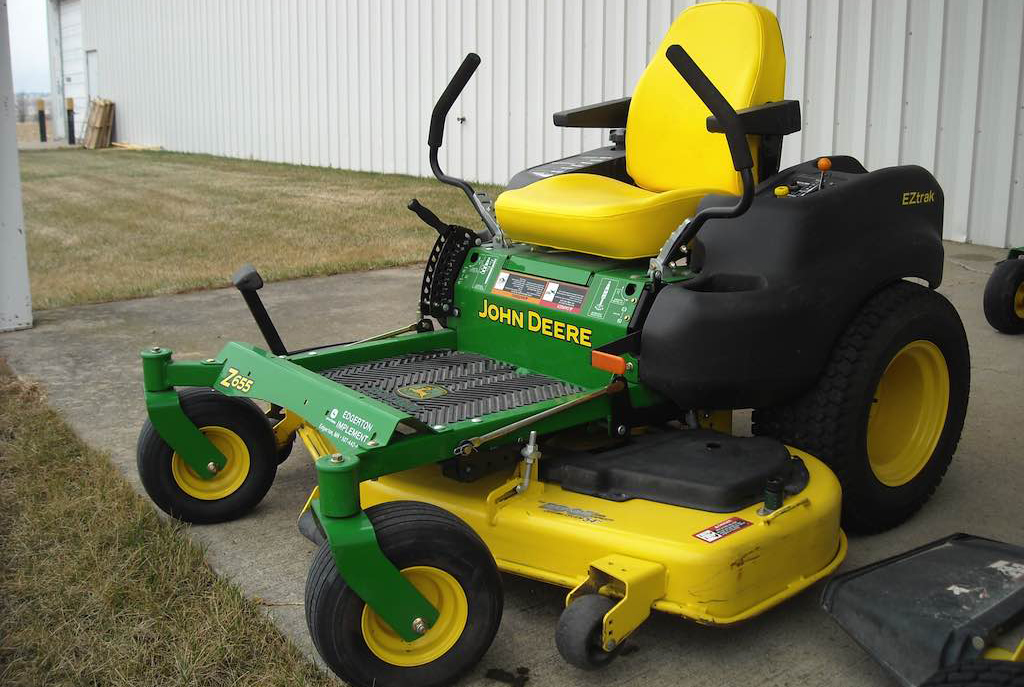 Commercial Zero Turn Mower, 54""