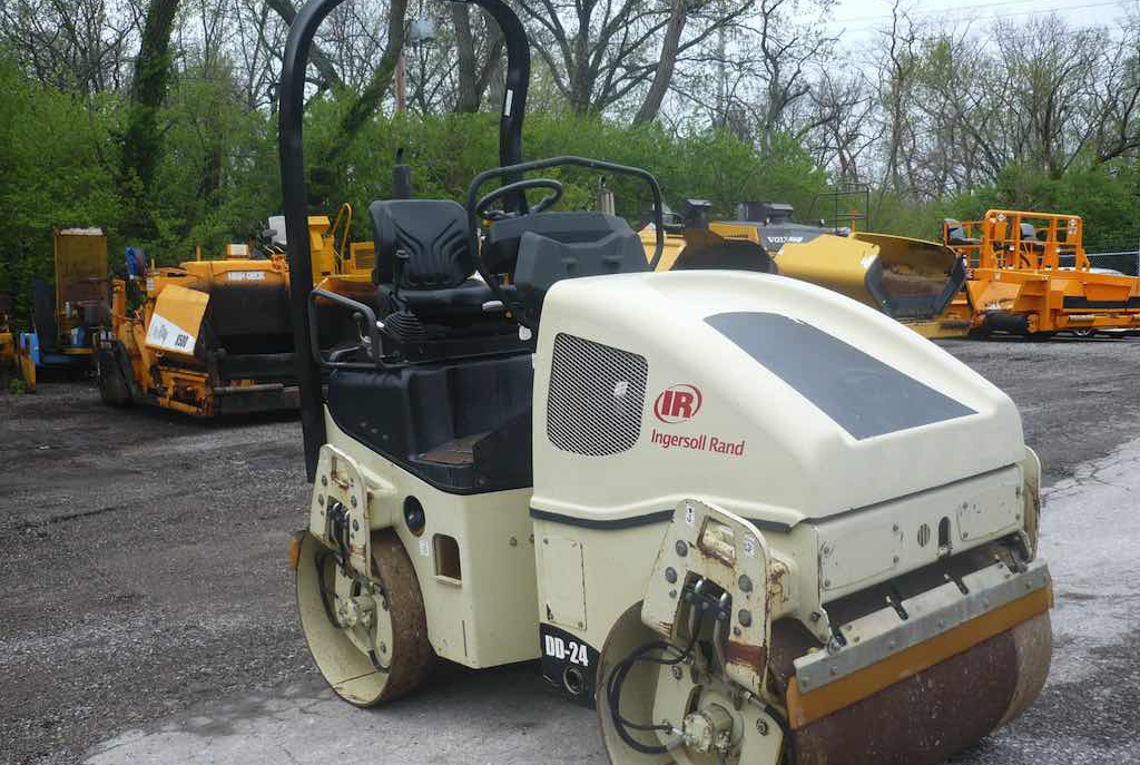 Ride-On Vibratory Roller, 3 ton, Double Drum